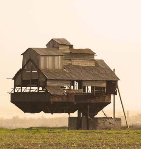 10 Crazy Houses From Around the World