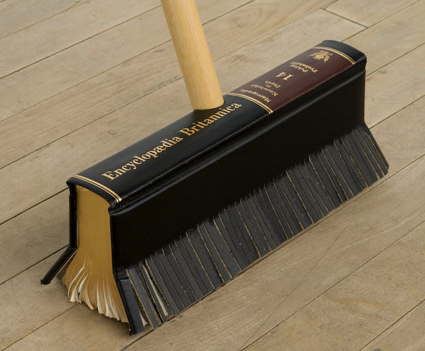 Broom Art 652
