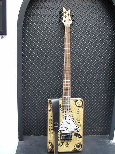 Ouija board vintage 5 string bass 785