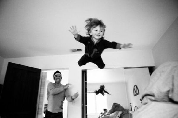 Flying Child 873