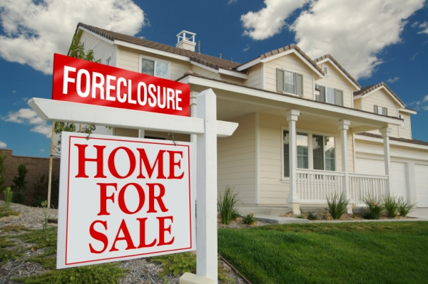 foreclosure-home-sale-sign