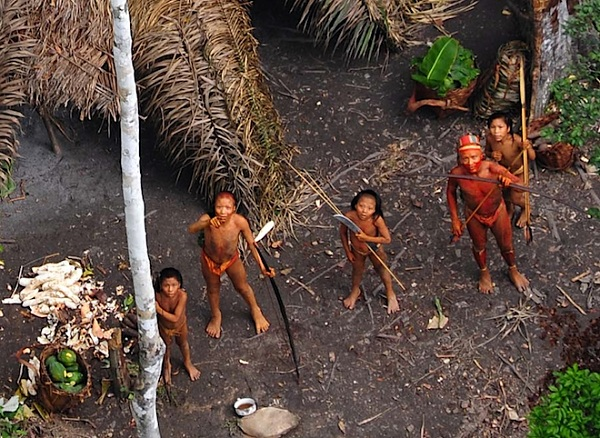 uncontacted_family 2