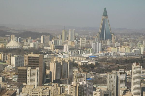 ryugyong-hotel-north-korea 1