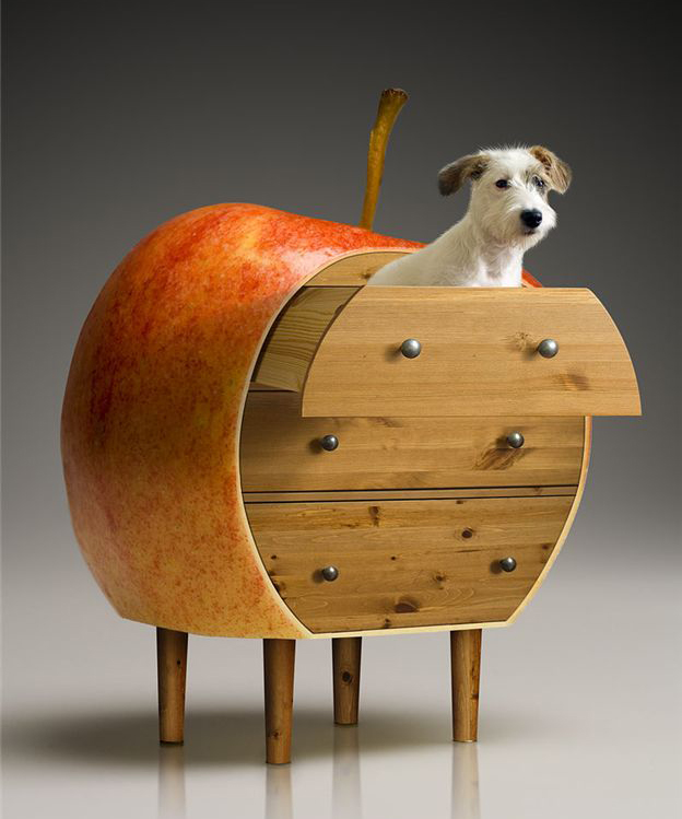 Doggie Apple Dresser 011
