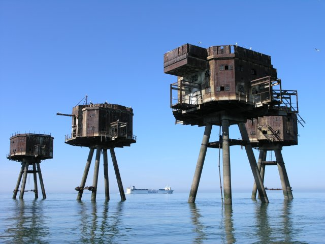 A luxurious, aquatic zombie-proof Fortress 577