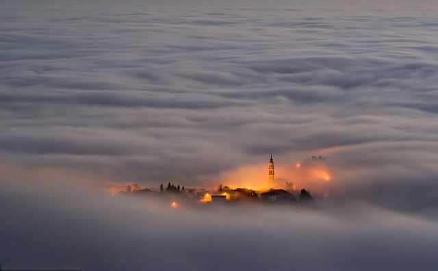 Village in the clouds 577