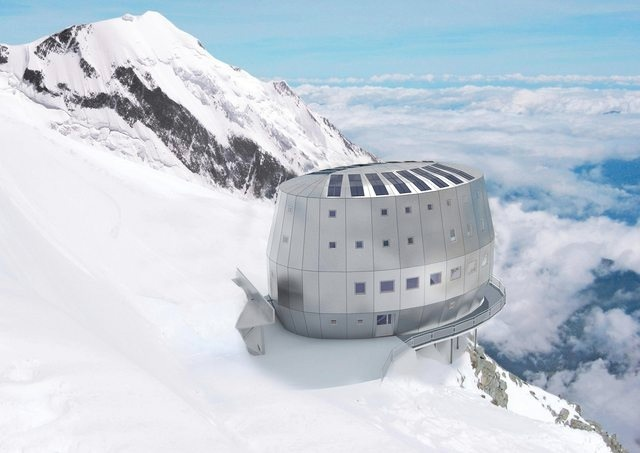 This is not the mountain hut you're looking for 881
