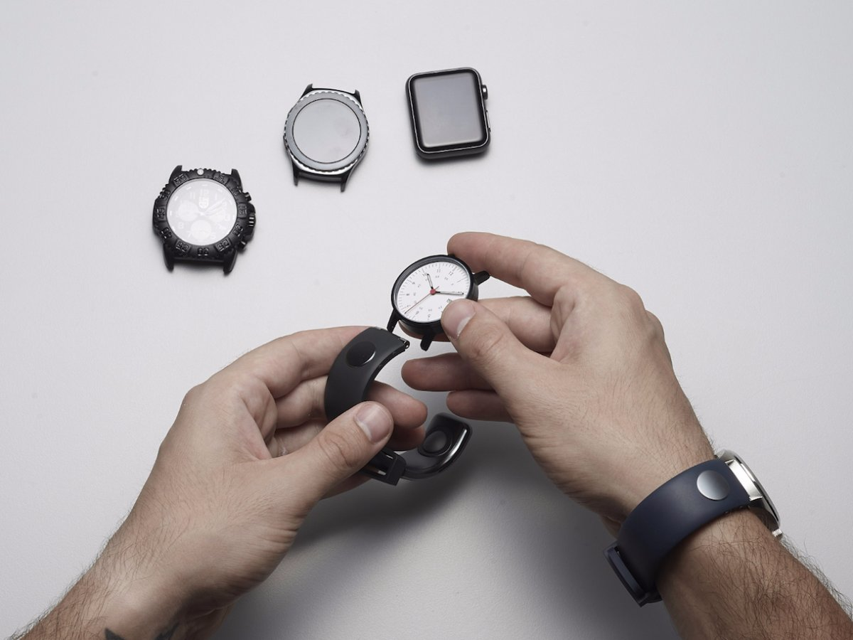 it-fits-any-watch-you-might-own-with-a-strap-adapter