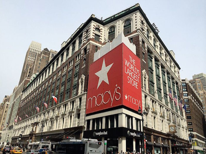 Macy's_Department_Store_-_New_York_-_USA_-_panoramio
