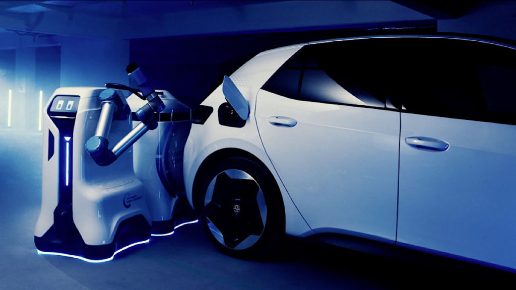 VW-developing-mobile-robot-automate-charging-1