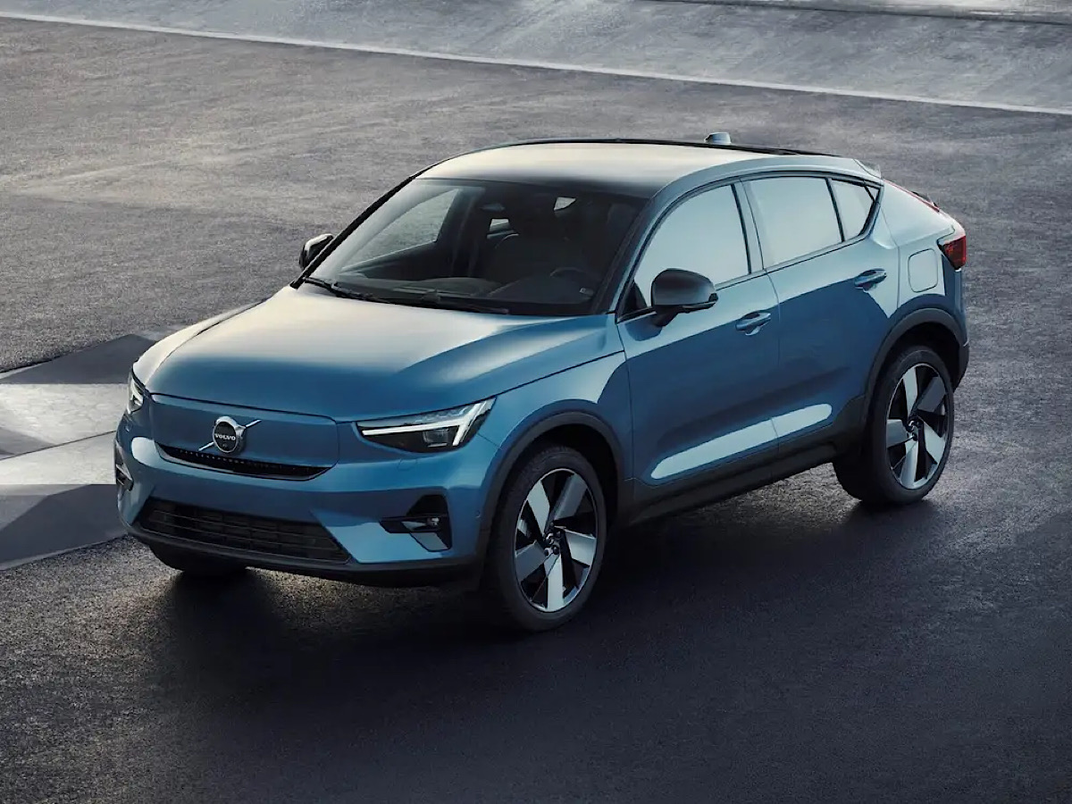 Volvo plans to sell only electric cars by 2030, seeing 'no future' for internal combustion engines