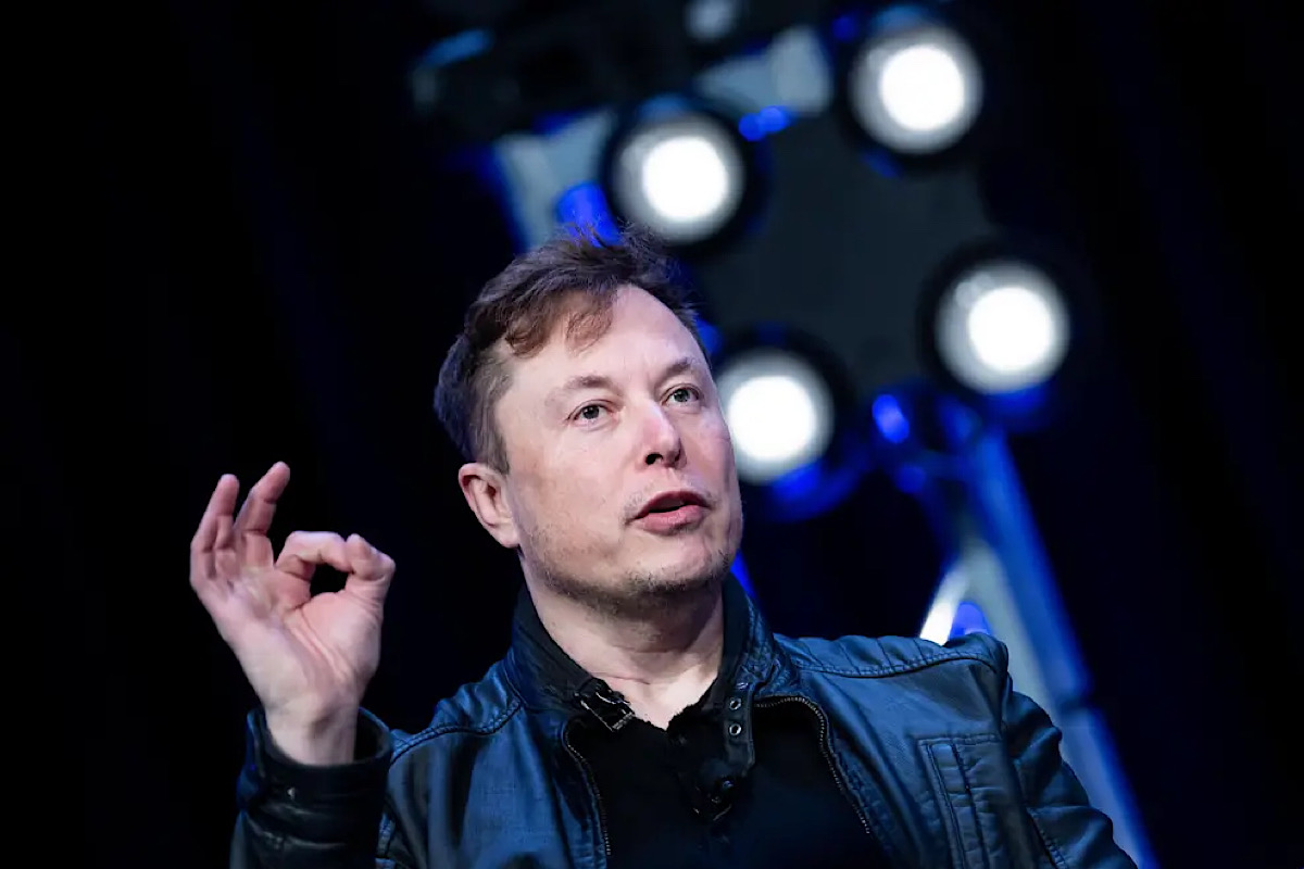 ELON MUSK'S STARLINK INTERNET WILL BE 'FULLY MOBILE' SERVICE LATER THIS YEAR