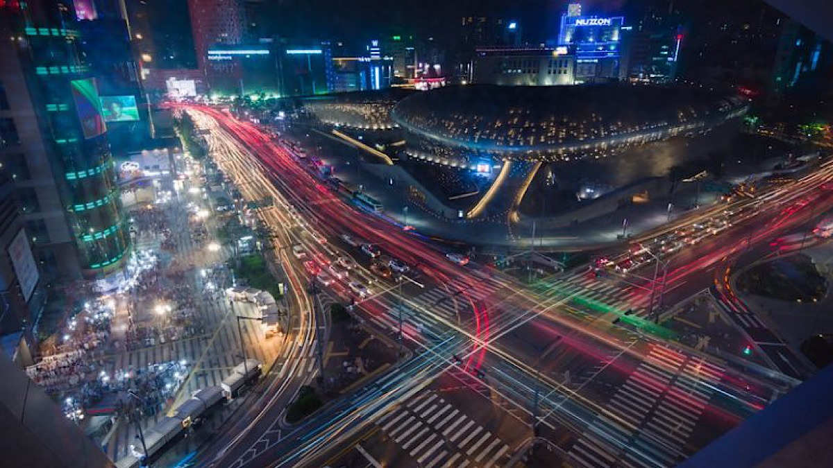 Seoul to expand network of poles to charge vehicles and drones