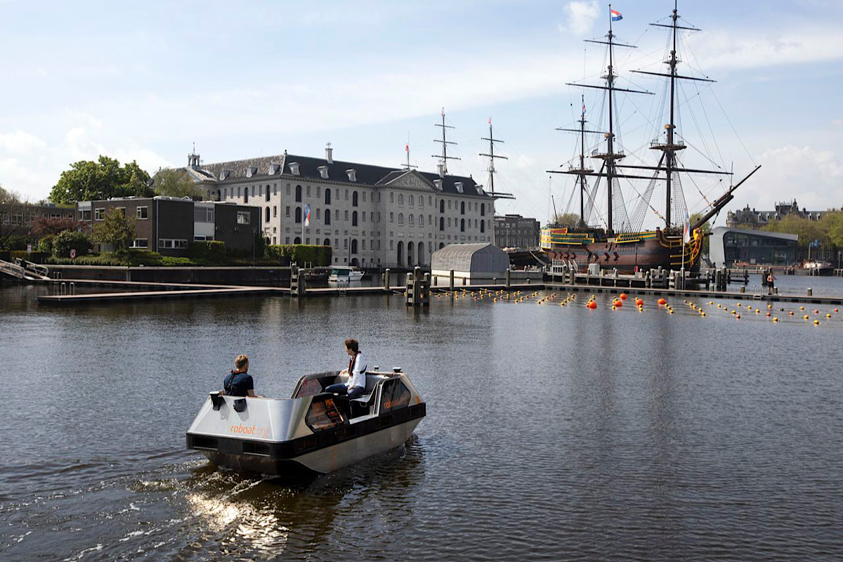 Roboats: Amsterdam tests out electric autonomous boats on its canals