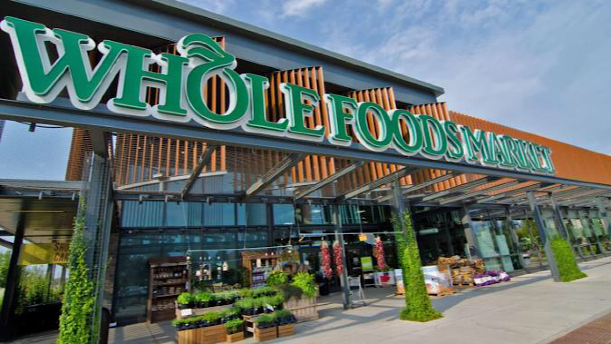 Amazon's cashierless 'Just Walk Out' tech is coming to Whole Foods stores