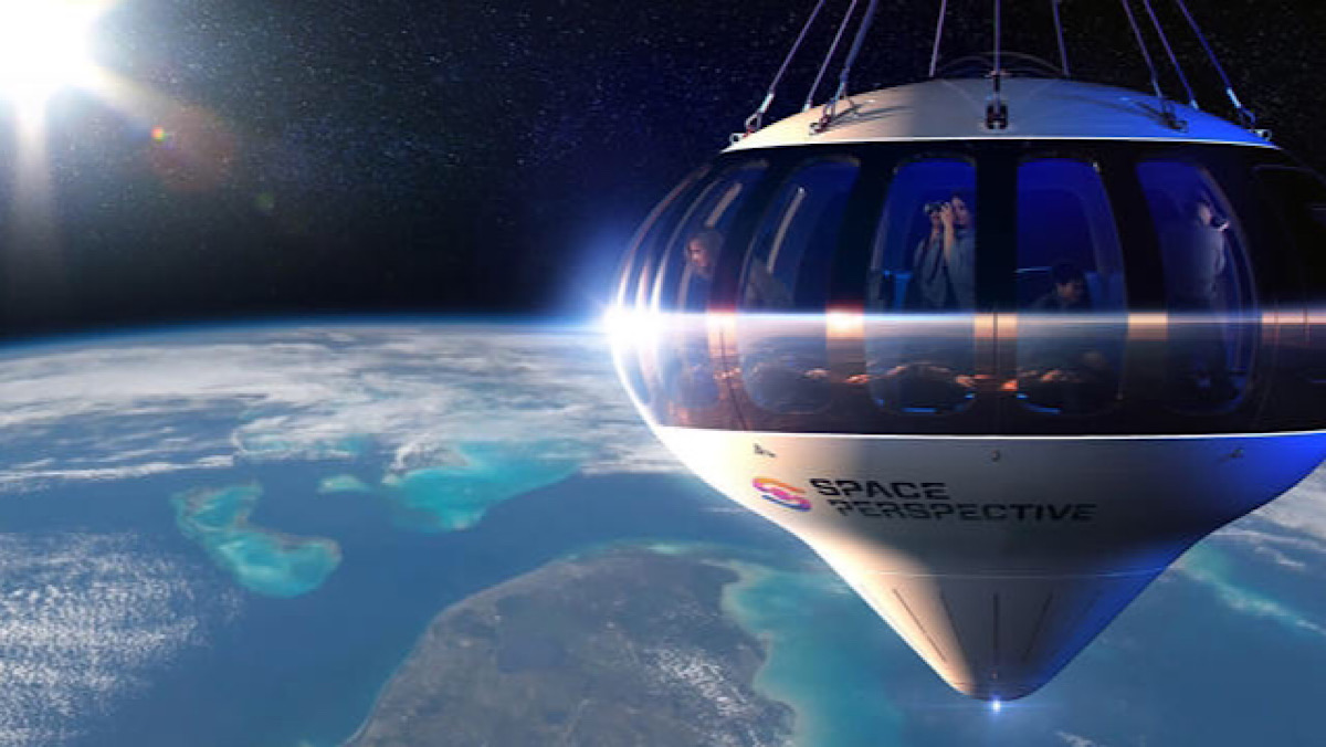 This Luxury Space Balloon Lets You Glide 100,000 Feet Above the Earth With a Cocktail in Hand