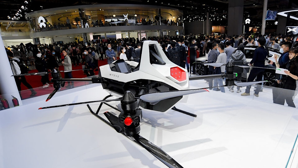Chinese manufacturer vows flying cars by 2024